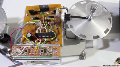 DC motor with sensor disc